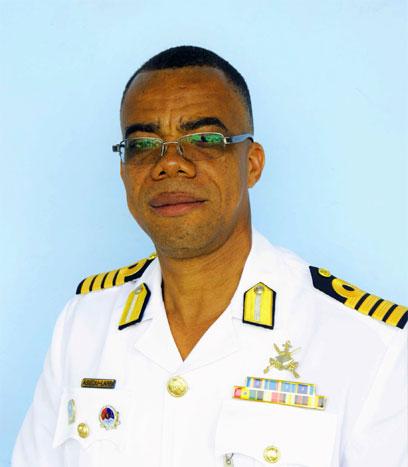CD-Captain-GN-Salomon-small